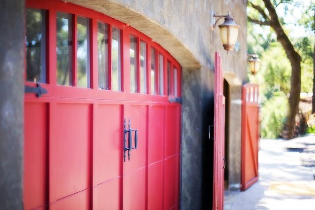 Garaże aluminiowe i automatyka do bram
