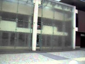 Lustra na wymiar i tanie zabudowy szklane
