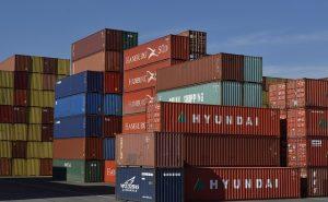 Czy warto zdecydować się na wynajem kontenera na gruz?